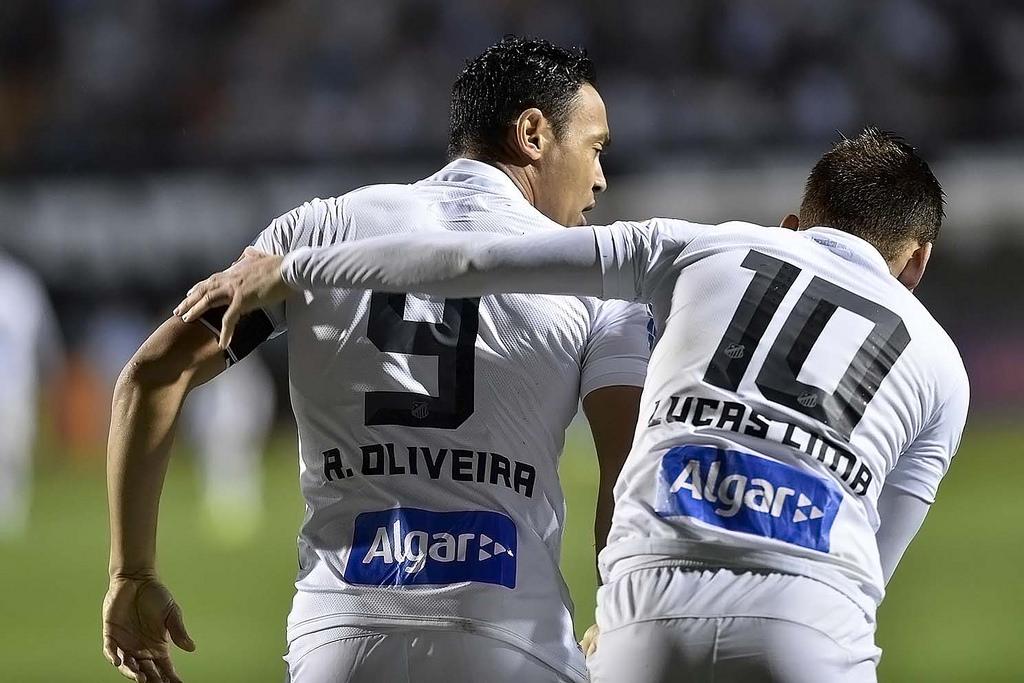 Em mais um retorno de contusão, mais um gol do atacante Ricardo Oliveira. Vale destacar também a ótima partida do meia Lucas Lima, que por pouco não fez um golaço de placa.